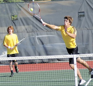 Zoucha Samuelson 101 Fremont Boys Tennis Team ties for 8th at Fremont Invitational